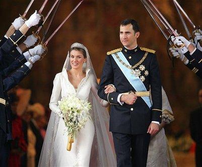 Spanish Designer of Queen Letizia\'s Wedding Dress Pertegaz Dies at ...