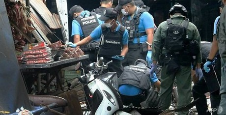 Three people killed in southern Thailand market bomb