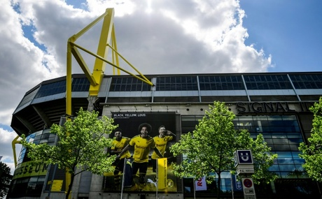 German Bundesliga wrap: Borussia Dortmund show Schalke no mercy